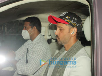 Photos: Hrithik Roshan snapped in Juhu