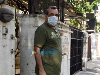 Photos: Paresh Rawal snapped at a clinic in Juhu