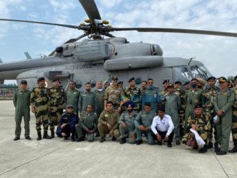 Photos: Akshay Kumar meets BSF jawans guarding the border